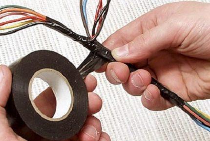 Elektriskā lente stiepļu aizsardzībai