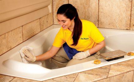 Acrylic bathtub cleaning