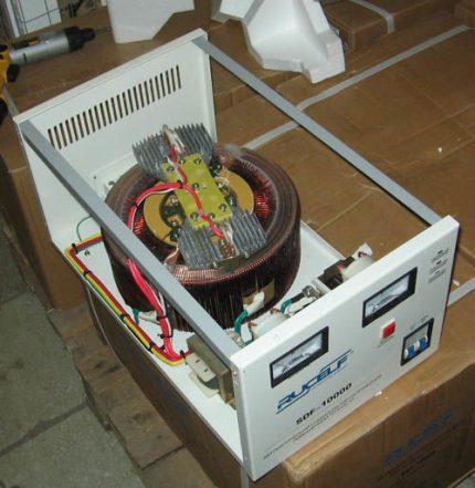 Izjaukts elektromehāniskais stabilizators