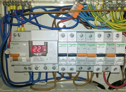 Voltage relay in the electrical panel