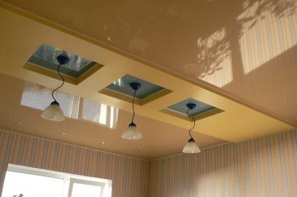 Plafond tendu dans la pièce