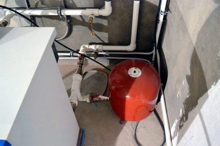 Membrane tank for heating system