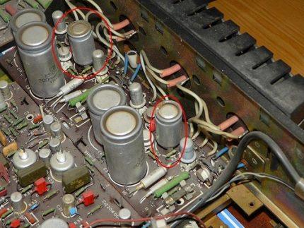 Polar capacitors