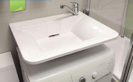 Stylish water lily sink design