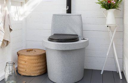Stationary toilet