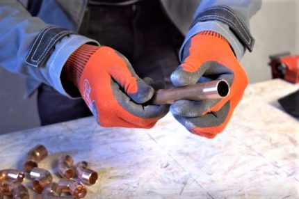 Soldered pipe end