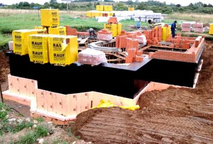 Penoplex Geo for thermal insulation of the foundation