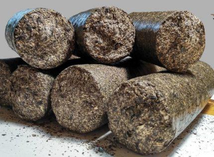 Sawdust fuel briquette