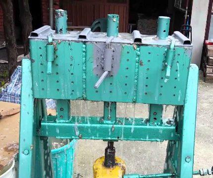 Sawdust pressing machine
