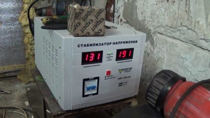 Voltage regulator in a private house