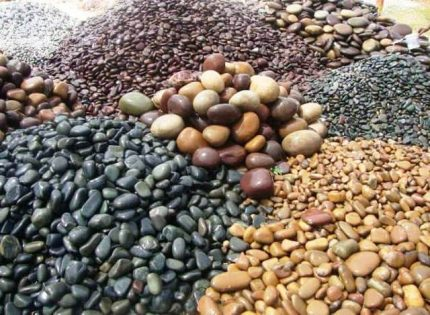 Pebbles for filling the oven