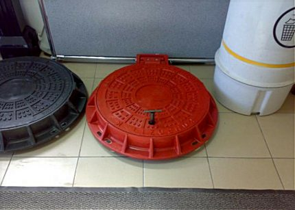 Red and black composite hatches