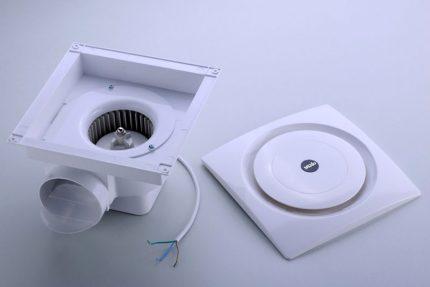 Centrbēdzes gaisa vadu ventilatori
