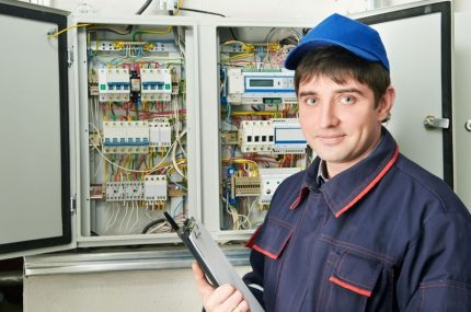 Electric meter in the control cabinet