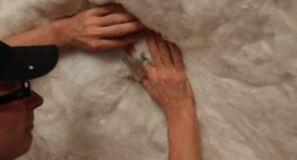 Laying the outer layer of mineral wool
