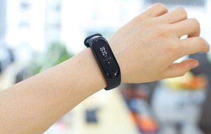 Multifunction Fitness Tracker Wristband