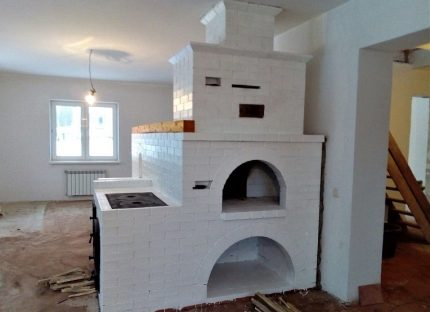 Side-mounted stove