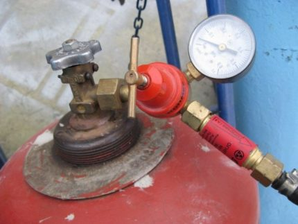 Reducer for propane-butane cylinder