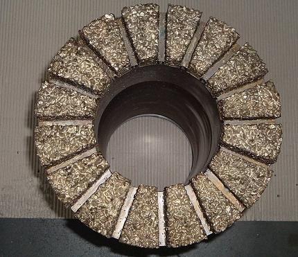 Gręžtuvas techniniais deimantais