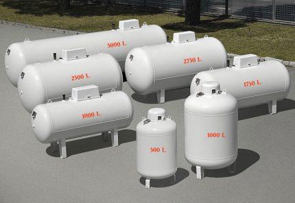 Gas holders for autonomous gas supply