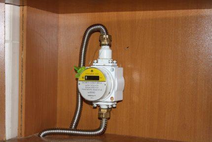 Levitation gas meter