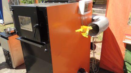 Floor heat generator