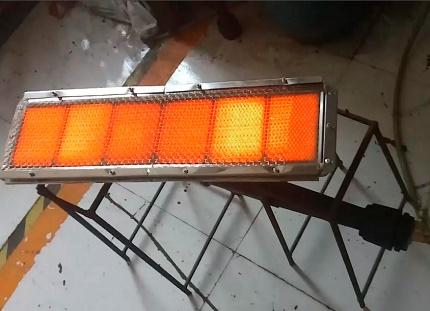 Flameless gas appliance