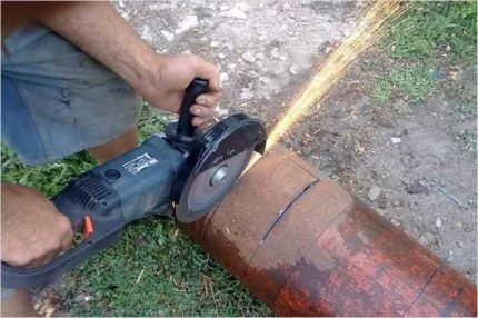 The correct location when working with a grinder