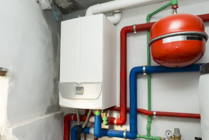 Expansion tank for gas boiler