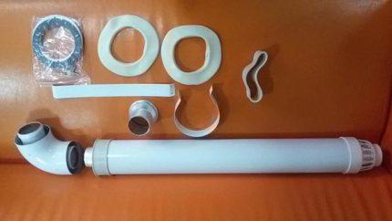 Accessoires pour assembler une cheminée coaxiale