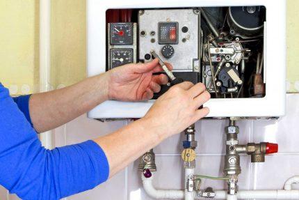 Vérification de la chaudière à gaz