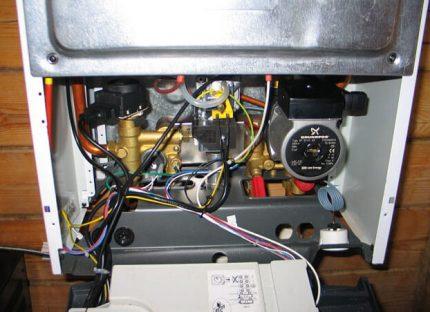 Vérification du câblage de la chaudière à gaz