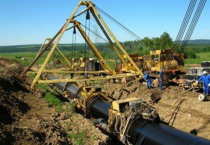 Construction d'un gazoduc sur le terrain