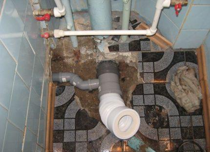 Tuyau ondulé pour toilettes
