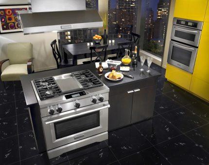 Transfert de cuisinière à gaz dans la cuisine