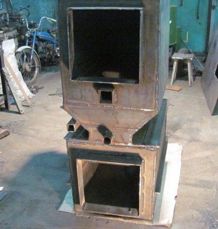Half assembled pyrolysis boiler