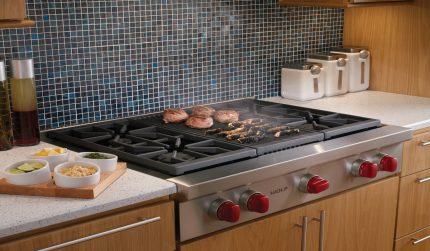Table de cuisson avec grill