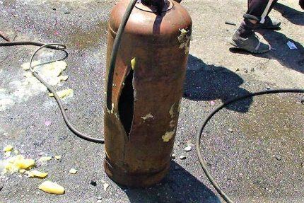 Bouteille de gaz éclatée