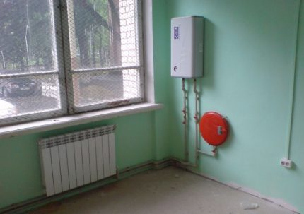 Installation d'une chaudière à circuit unique pour le chauffage autonome