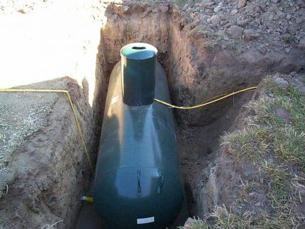 Installation d'un réservoir d'essence dans un chalet d'été