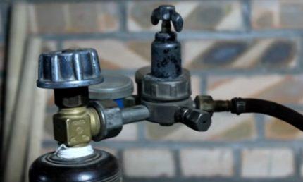 Cylinder shut-off valve