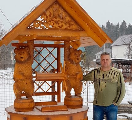 Wood carvings and sculptures