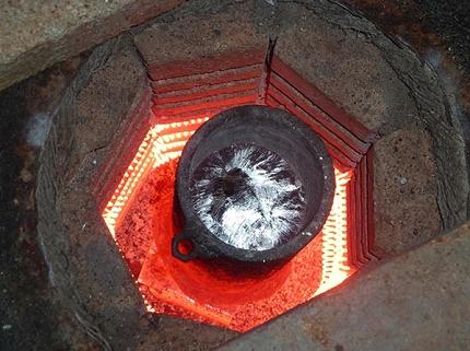 Réaction chimique du traitement du carbone