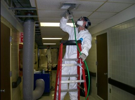 Master disinfects ducts