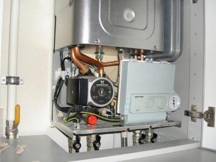 Gas boiler without protective cover