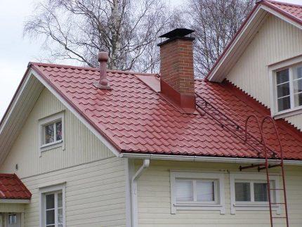 Escalier vers le toit