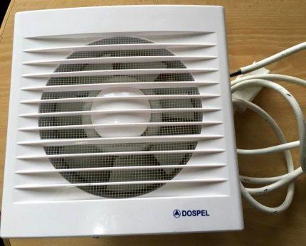 Ventilateur suspendu en plastique