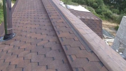 Homemade ventilated ridge
