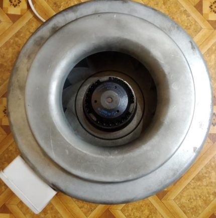 Kanāla aksiālais ventilators barošanas sistēmai