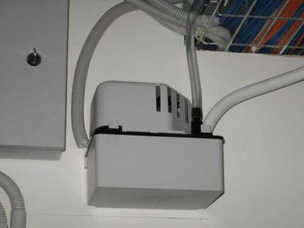 Air conditioning drain pump